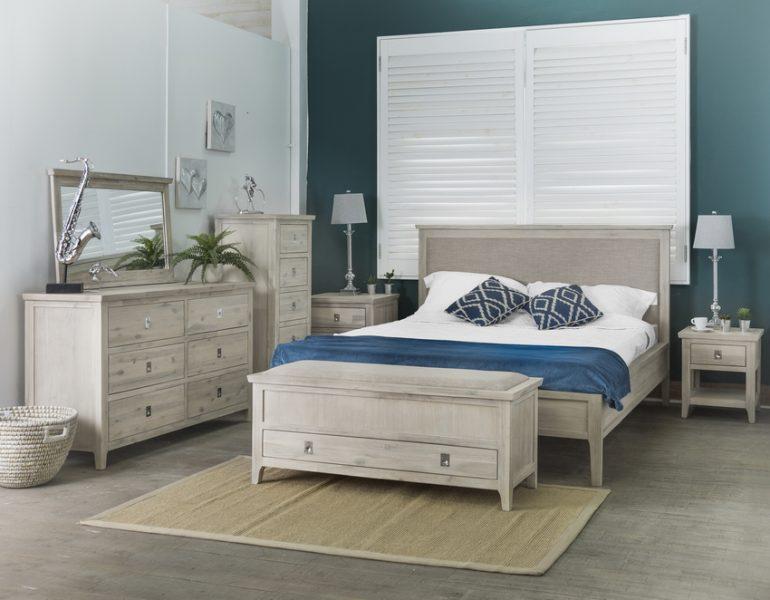mobila dormitor lemn masiv Fantasy